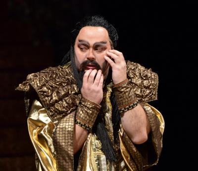 N. Někrasov jako Nabucco