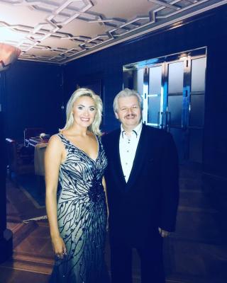 Sólistka Michaela Katráková a pan ředitel Miloš Formáček na Vítkově v presidentském salonu