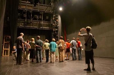 prohlídka zákulisí divadla